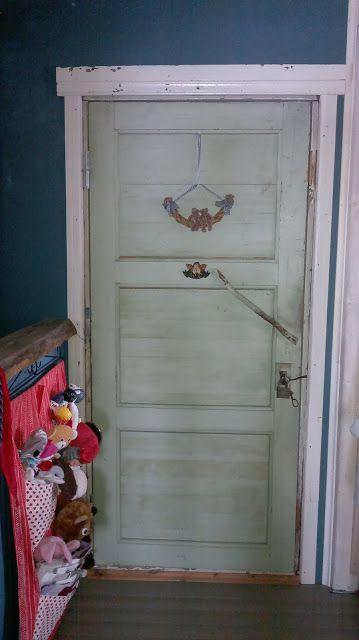 Koikkelasta kajahtaa!Kauniit, vanhat ovet käyttöön