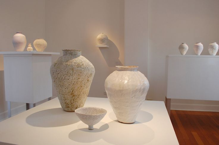 LACUNA (L), VOYAGE (R) . TERRACOTTA AND PORCELAIN PAPERCLAY WITH MIXED REACTIVE SLIPS AND STONEWARE GLAZES . DIMENSIONS VARIABLE