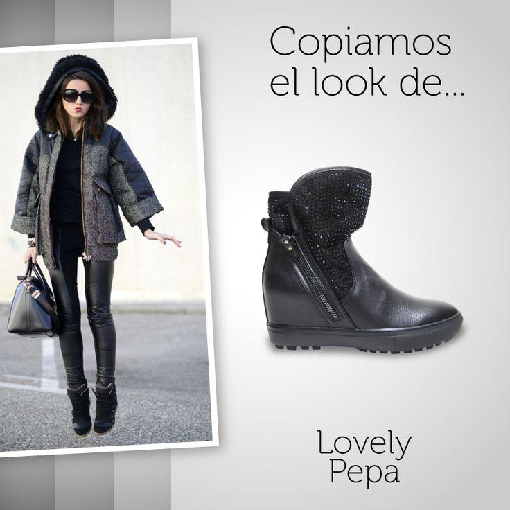 Copiamos el #look de una de las #blogueras más importantes del momento: Lovely Pepa. Un #look con estilo #casual acompañado de uno de nuestros #botines con #pedrería. ¿Te atreves con ellos?