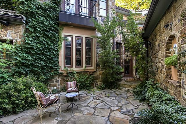 Tuscan style courtyard courtyard landscape outdoor for Italian house plans with courtyard