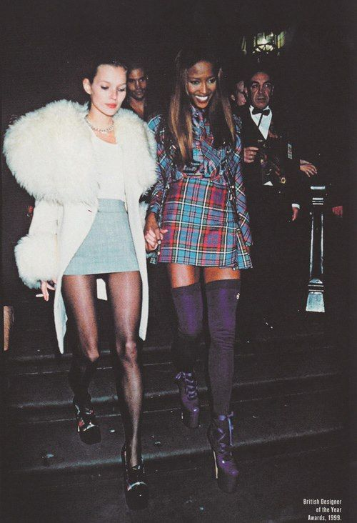 Plaid & thigh-highs - 90´s fashion. Kate & Naomi