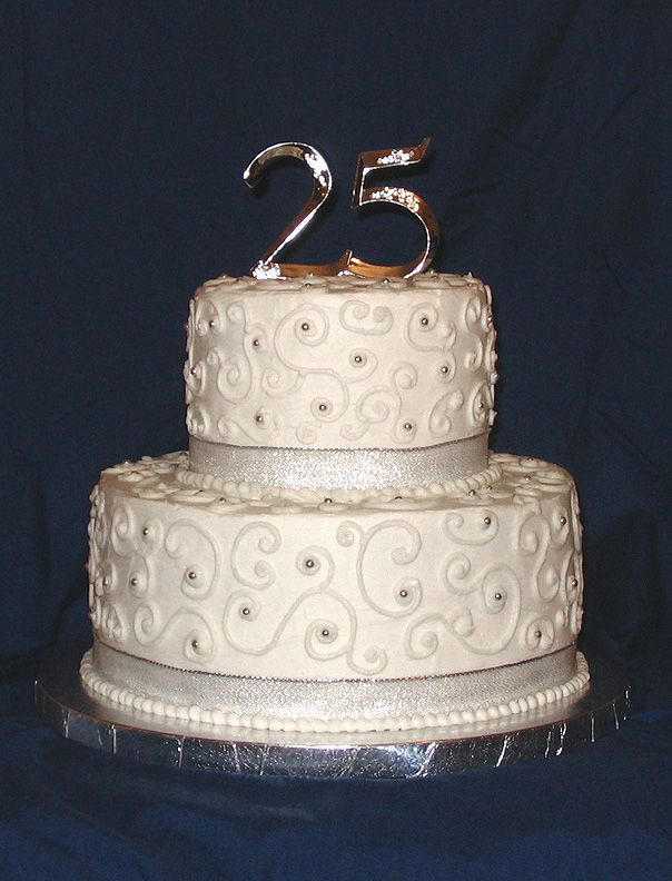 25th Wedding Anniversary Cake (Source: media.cakecentral.com)