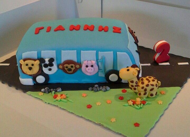 Baby  bus  cake