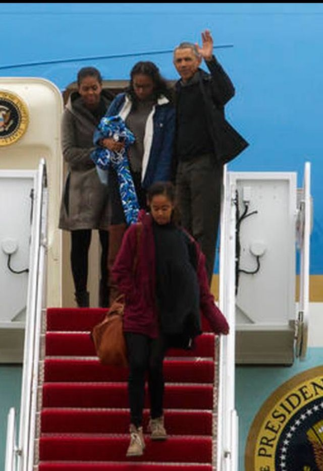 First Family Obama's #Returned from #Hawaii Monday January 2, 2017 President Obama announces Chicago #FAREWELL #ADDRESS #SCHEDULE #TUESDAY #JANUARY10th #2017 In His #HomeTown #Chicago