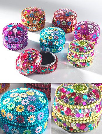 A new collection of stunning gemstone trinket pots. Encrusted with brightly coloured jewels and sequins. These make great Asian wedding favours and gifts for hen celebrations and mehendi celebrations.