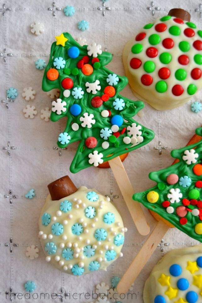 Twinkie Trees & Ding Dong Ornaments (& A #HostessHoliday Sweeps!) | The Domestic Rebel