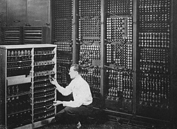 The device that used the largest number of vacuum tubes was an electronic organ: it incorporated 160 tubes.