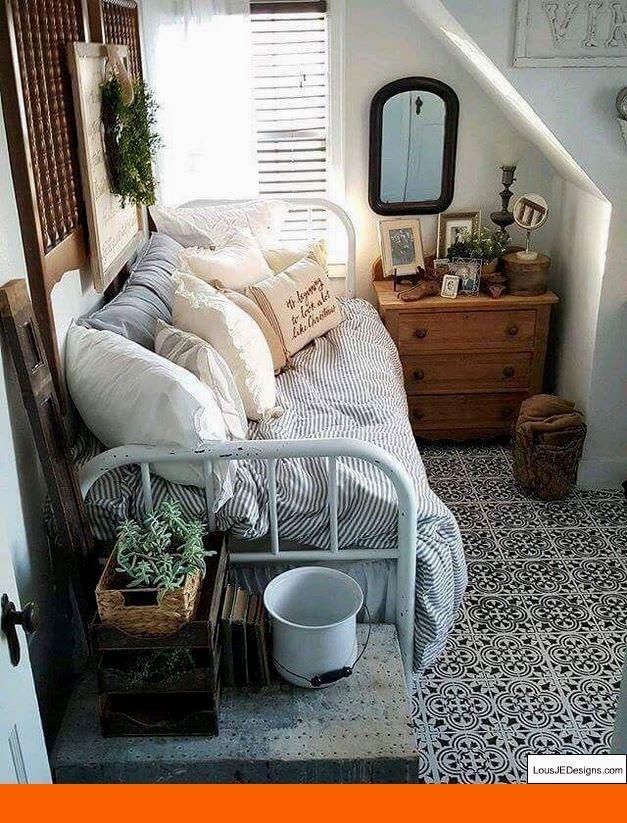 Small Master Bedroom Decor and Bedroom Decorating Ideas Pine Furniture. #bedroomdecoratingideas #luxuriousbedrooms