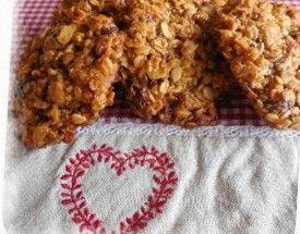Maslové cookies s ovsenými vločkami, medom a orechmi