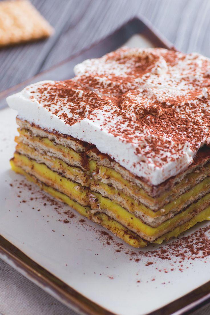Torta mattonella: biscotti secchi e crema pasticcera per un dolce da gustare strato dopo strato. [Cookie cake]