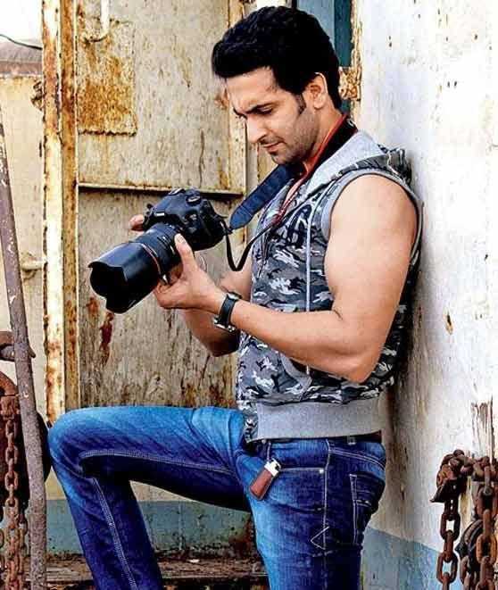 Hargatop.com - Uttaran, drama India yang ditayangkan oleh ANTV setiap hari semakin seru. Namun ada berita menarik, jika sebelumnya dikabarkan Rashami Desai