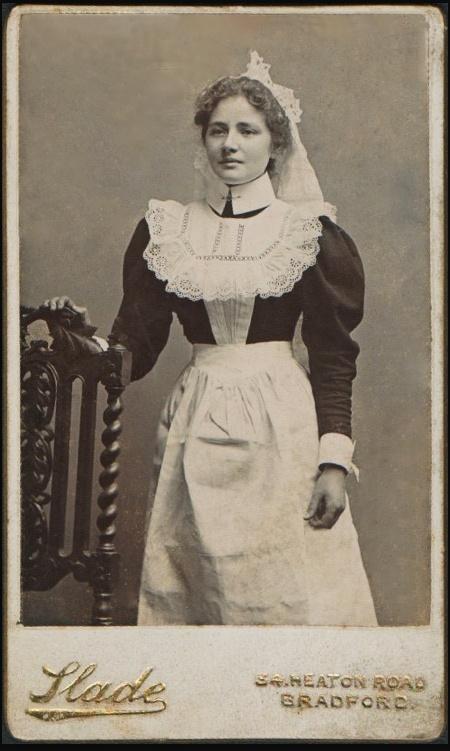 +~+~ Antique Photograph ~+~+  Edwardian House Maid.