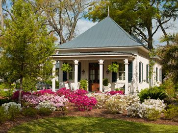 Cottage style home with great  Curb Appeal - Town & Country Living