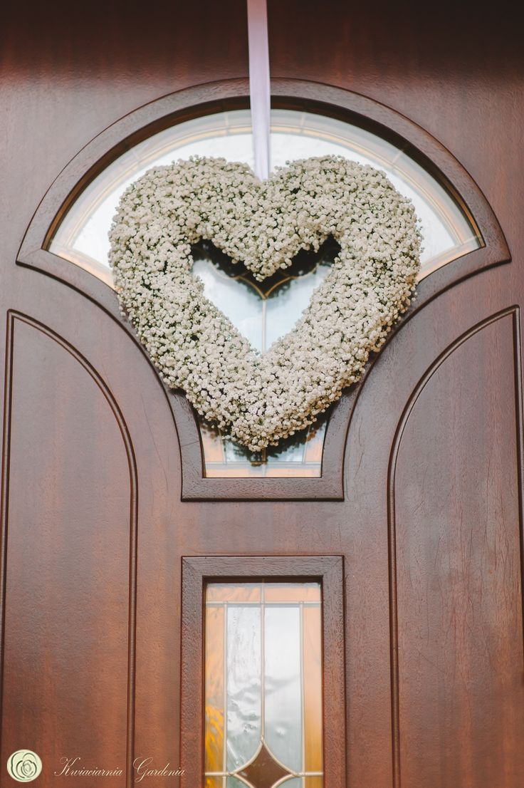 wedding ideas, wedding flower heart, door decoration