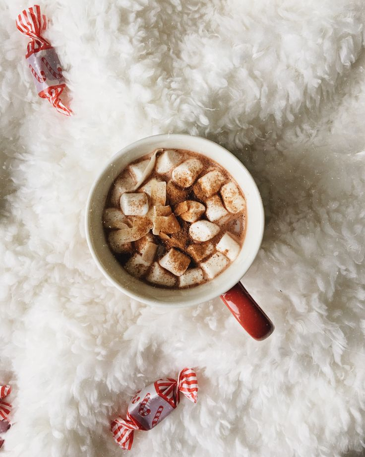 Having a big cup of hot cocoa for breakfast while wishing for a little peace on earth ☕️  [ #instagram #dorkyball #jlucan #lucan #interior #hotcocoa #cocoa #hotchocolate #hotdrink #xmas #christmaseve #christmas #christmastree #cozy #cosy #cozyvibes #sweden #holiday #december #winter #breakfast #vegan #candy #candycane #folklife #selfie #details #whitefeed #bookstagram #booklover #vsco #vscocam #flaylay #love #photooftheday ] Don't forget to come and see us at http://bakedcomfortfood.