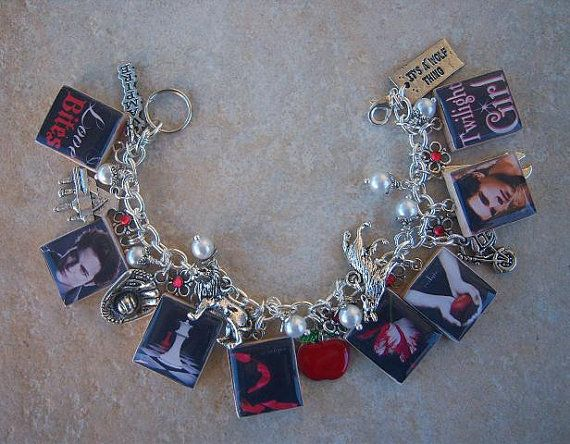 Twilight Charm Bracelet - Twilight Saga Book Covers