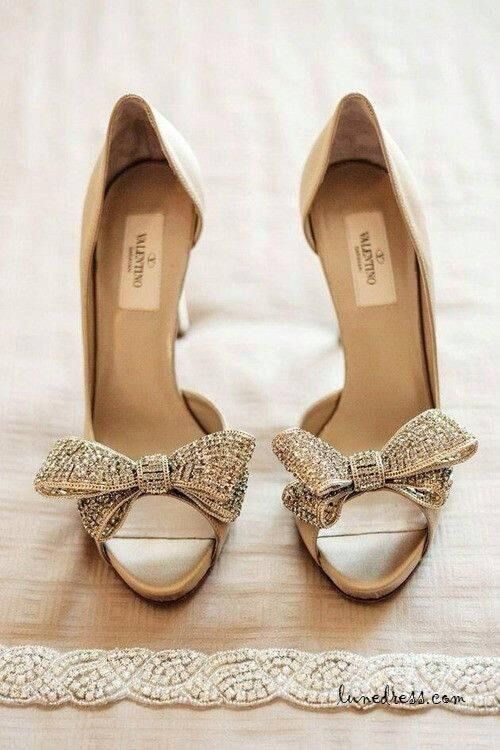 e4a4b4f48ef19 Stunning Valentino pumps with a bow.incredible wedding shoes for the  glamorous bride