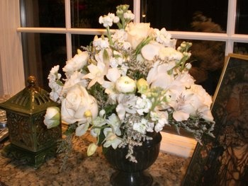 Wedding, Flowers, Centerpiece - Photo by Sipper Photography - Project Wedding