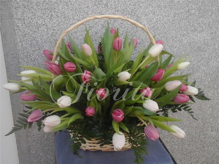 Koš s 45 tulipány