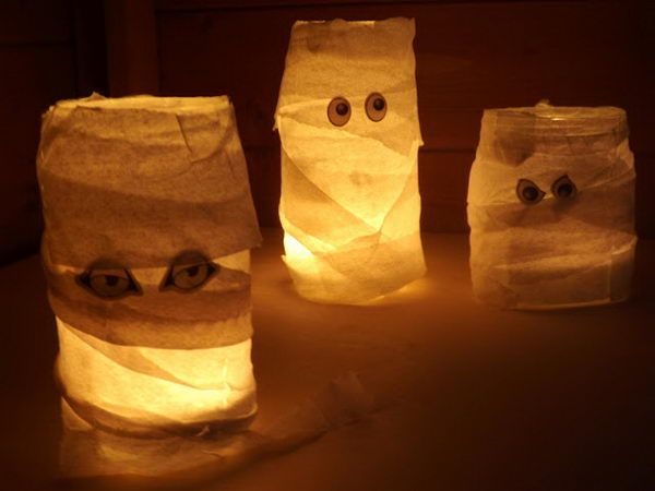 mason jar mummy halloween 20 http://hative.com/cute-mason-jar-craft-ideas/