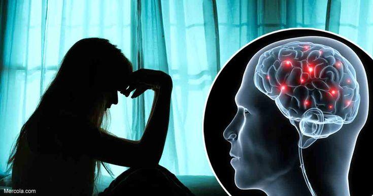 La creencia generalizada de que la depresión es causada por tener bajos niveles de serotonina u otras sustancias químicas cerebrales solo es una teoría, la cual se ha refutado ampliamente. https://articulos.mercola.com/sitios/articulos/archivo/2018/01/25/depresion-no-es-causado-por-un-desequilibrio-quimico.aspx?utm_source=espanl&utm_medium=email&utm_content=art2&utm_campaign=20180125&et_cid=DM181707&et_rid=193574478