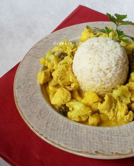 Curry - kurczak, pieczarki, kalafior.