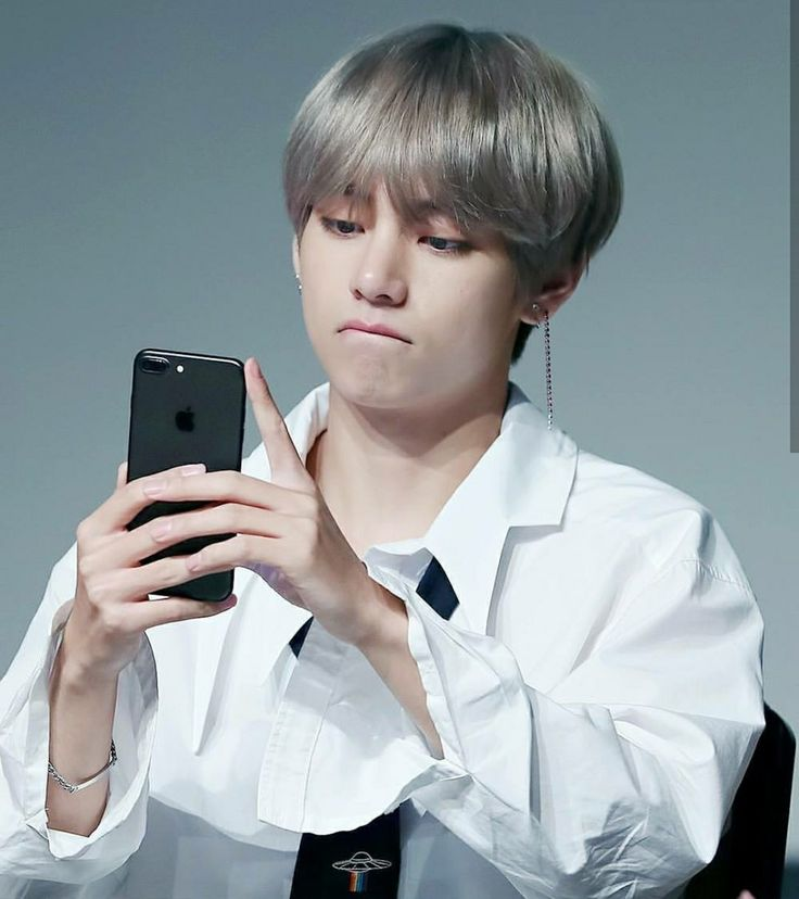 Tae Hyung's selfie perfection