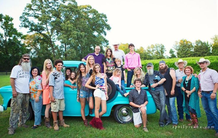 the Robertson family and the Sikes family (duck commander & junk gypsy) (photo from april pizana)