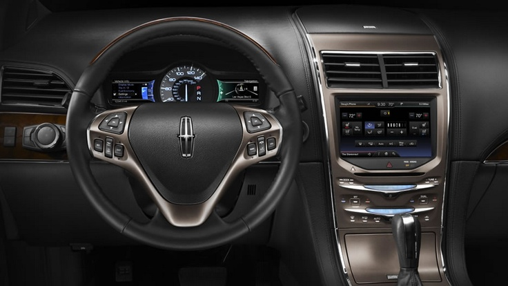 The 2013 Lincoln MKX Keeps Technology At Your Fingertips With Three LCD Screens Luxury Cars InteriorLincoln
