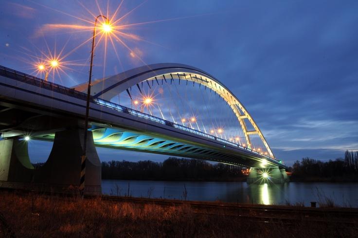 Apollo bridge Bratislava   by Lukáš Pastorek
