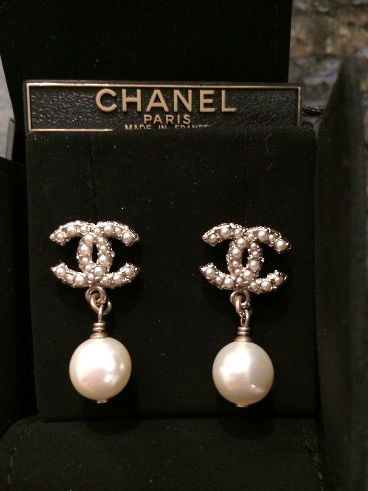 Chanel Earrings @FollowShopHers Besuche unseren Sh…
