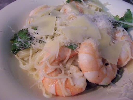 Lemon and prawn pasta