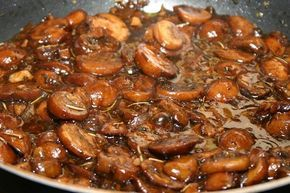 Mushroom-Basalmic Sauce: a perfect topping for steaks   ---less sauces or add corn starch--- M liked it a lot--- A Ingredients    1/2 lb mushrooms, sliced   1/2 cup olive oil  1/2 cup chopped shallots  2-3 garlic cloves, minced  1/4 cup balsamic vinegar  1/4 cup Worcestershire sauce  Optional spices:  pinch oregano, basil, marjoram, thyme, and/or rosemary