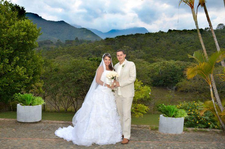 Boda Lina y Carlos Mario #FotografoDeBodasCali
