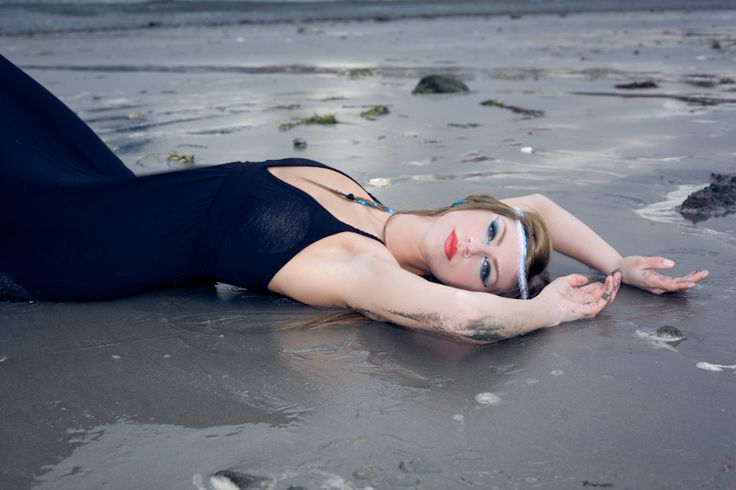 Creative shoots, Qualicum Beach, Ocean Blue: Vancouver Island Wedding & Portrait Photographer