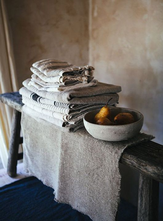 kitchen linens in minimalist rustic kitchen / sfgirlbybay