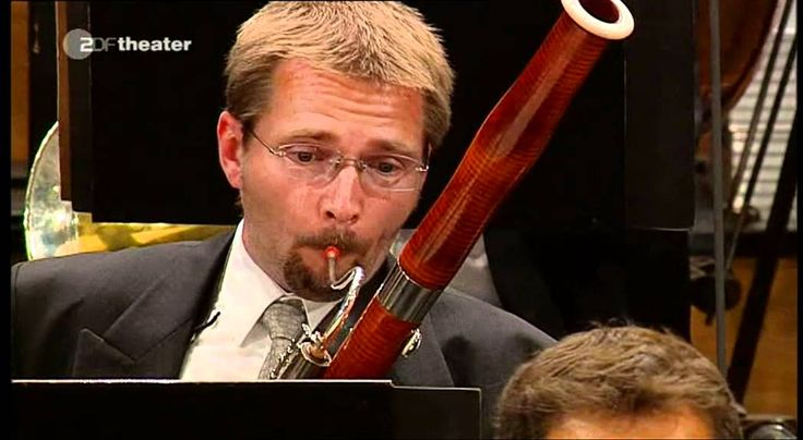 Nicolai Rimsky-Korsakov: Scheherazade / Gergiev · Vienna Philharmonic · Salzburg... Powerful and beautiful... I love it... I'm not very much in favor of the conductor though:P