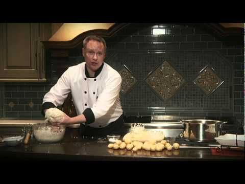 Chef Bryan makes Spudnuts using Klondike Goldust Potatoes! Check out this awesome video on how to make your own potato doughnuts!