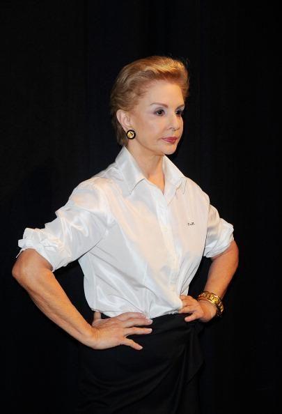 Ver fotos de Estrellas hispanas en la alta costura y buscar más fotos en nuestras galerías de fotos en Yahoo Noticias.