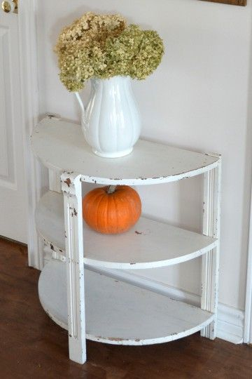 Beautiful half-moon table of small format, can be used as coffee table, bedside table and more.