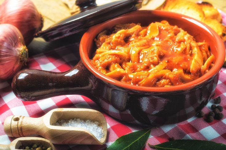 La Trippa alla Romana è un piatto tipico della città di Roma che ha come protagonisti i sapori di questa città: il Pecorino Romano e la Mentuccia Romana.