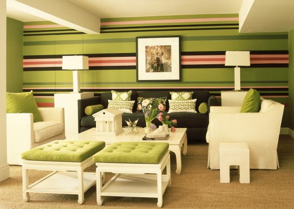 Clever use of mixing patterns--floral, graphic, and stripes (horizontal at that)!