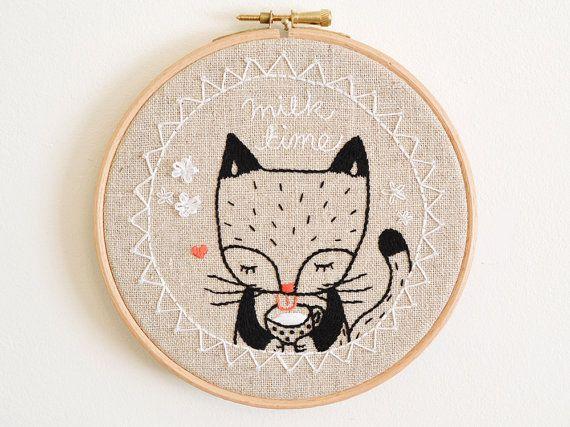 Embroidery Hoop Wall Art 'Milk Time Kitty Cat' por doalittledance