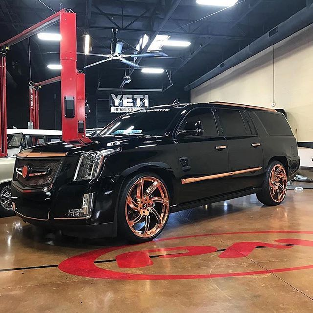Scottsdale Cadillac: 25+ Best Ideas About Luxury Suv On Pinterest