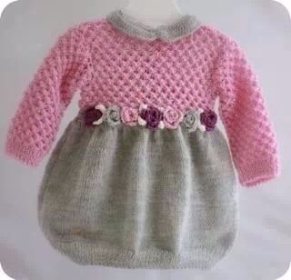 Nydelig baby kjole sin jeg bare har bilde av, ingen oppskrift... Men det løser seg vel med litt oppfinnsomhet