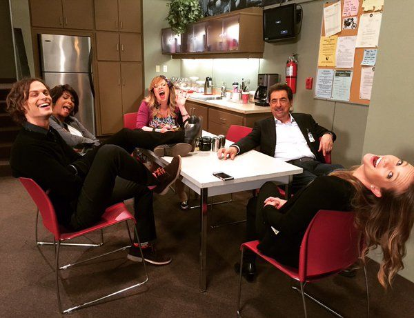 Matthew Gray Gubler, Aisha Taylor, Kirsten Vangsness, Joe Mantegna, & AJ Cook (Criminal Minds)