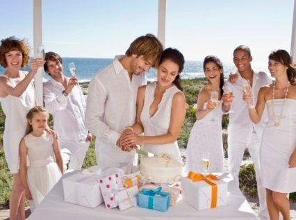 Где купить подарок на свадьбу и, главное, какой подарок купить?