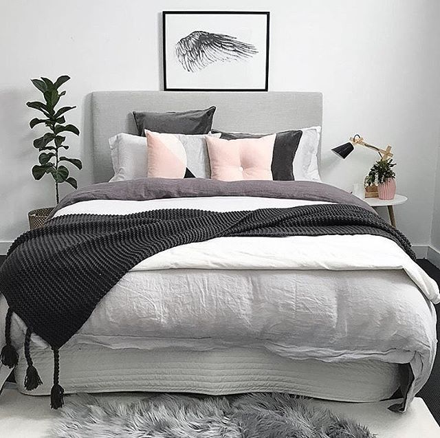 The pretty bedroom of Sheree @myhouseloves featuring our blush button cushion