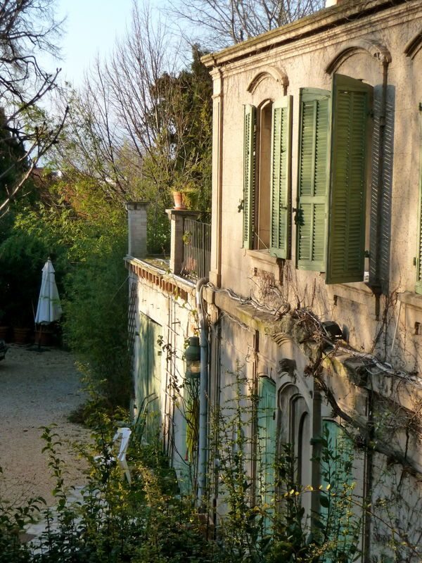 Summer home in Provence~Image via ET A PART CA