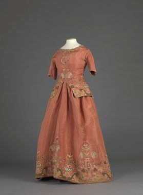 Caraco & skirt  Embroidery c1730-50 but outfit made 1770-1789, Norway, silk, velvet, silk thread embroidery.
